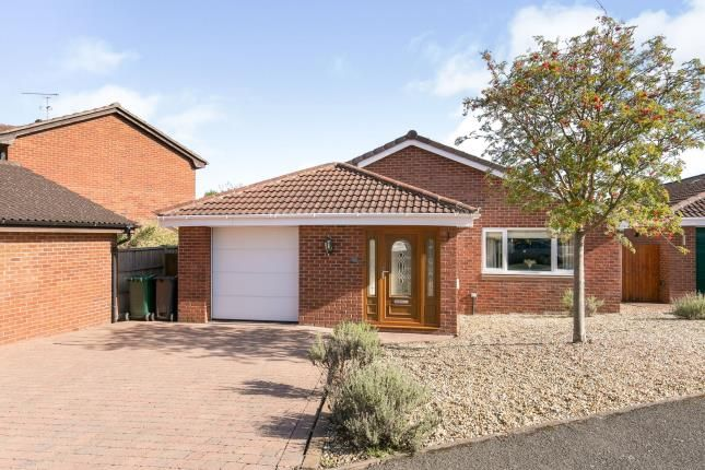 Thumbnail Bungalow for sale in Barley Croft, Great Boughton, Chester, Cheshire