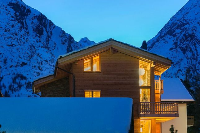 Thumbnail Apartment for sale in Centre Of Saas Fee, Valais, Switzerland
