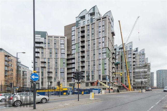 1 bed flat to rent in Thames Tower, Canning Town, London