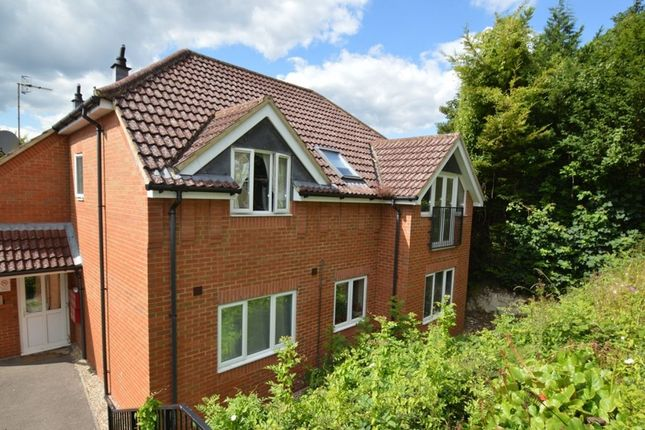2 bed flat for sale in Conifer Rise, High Wycombe