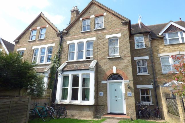 Studio to rent in Udney Park Road, Teddington TW11