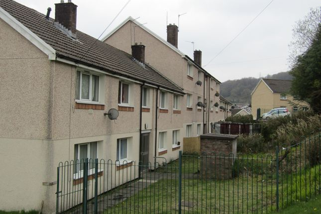 Thumbnail Flat to rent in Fernhill, Mountain Ash