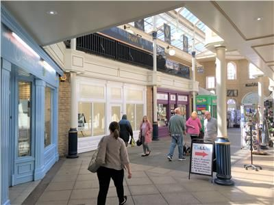 Thumbnail Retail premises to let in Unit 2, Bishops Walk, Cirencester