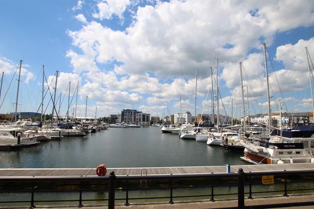 Thumbnail Flat for sale in Phoenix Drive, Eastbourne