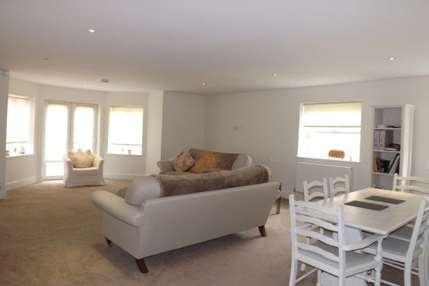 Thumbnail Flat to rent in 11 Slades Hill, Enfield