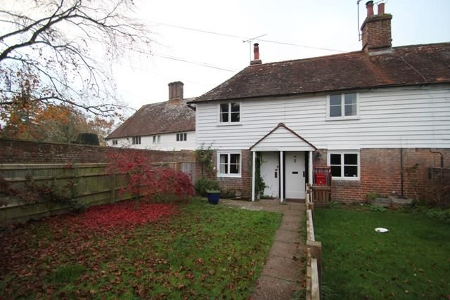 Thumbnail Semi-detached house to rent in Bodiam Road, Sandhurst, Kent