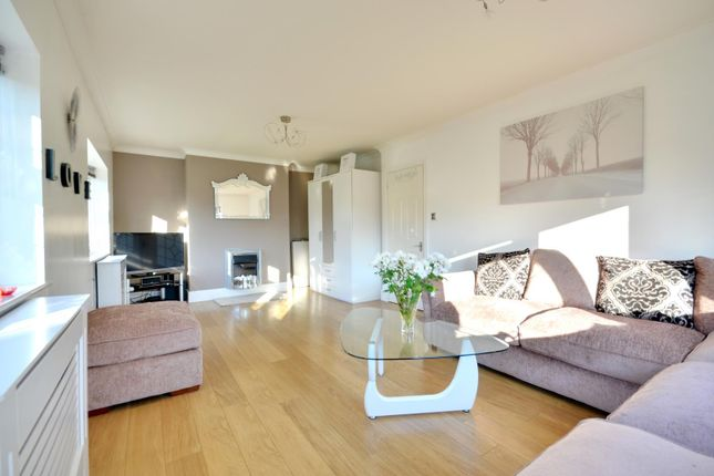 Thumbnail Property to rent in Willow Crescent West, Denham, Buckinghamshire
