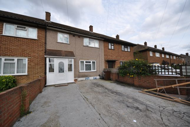 Thumbnail Terraced house to rent in Padnall Road, Romford Essex