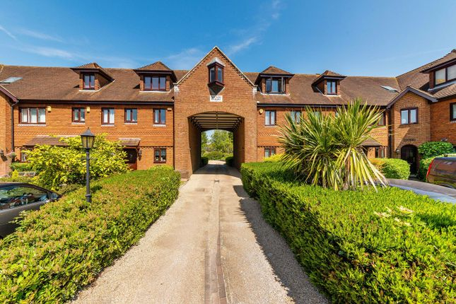 Thumbnail 2 bedroom flat for sale in Meade Court, Walton On The Hill