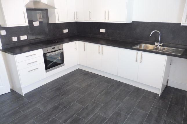 Thumbnail Flat to rent in Market Street, Church Gresley, Swadlincote