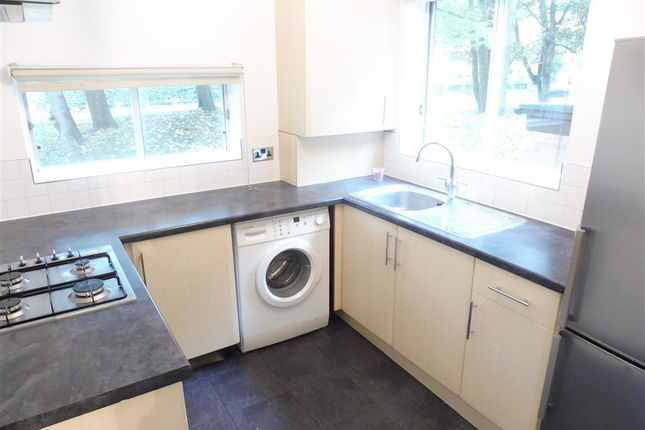 Thumbnail Flat to rent in Campion Close, Croydon