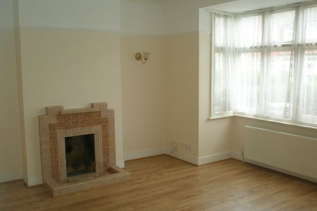 Thumbnail Terraced house to rent in Shell Road, Lewisham