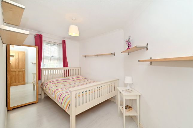 Bedroom 1 of Francis Close, London E14