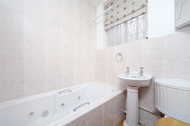 Bathroom of Meriden Court, Chelsea Manor Street, Chelsea, London SW3