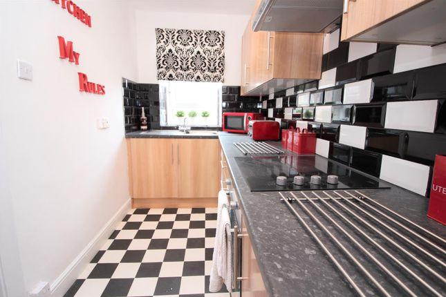 Kitchen of Customhouse Lane, Port Glasgow PA14