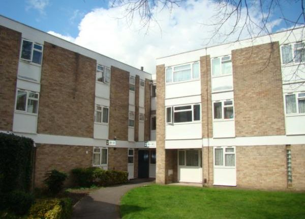Thumbnail Flat for sale in Cole Gardens, Cranford