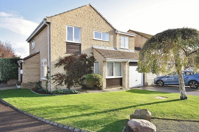 Thumbnail Detached house for sale in Pensclose, Witney