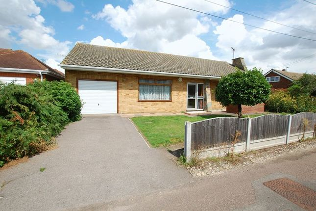 Thumbnail Detached bungalow to rent in Gowers Lane, Orsett, Grays