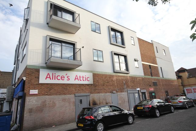 Thumbnail Flat to rent in 41 Witham Road, London
