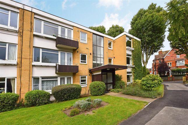 2 bed flat to rent in Grange Lodge, Ridgway, Wimbledon Village