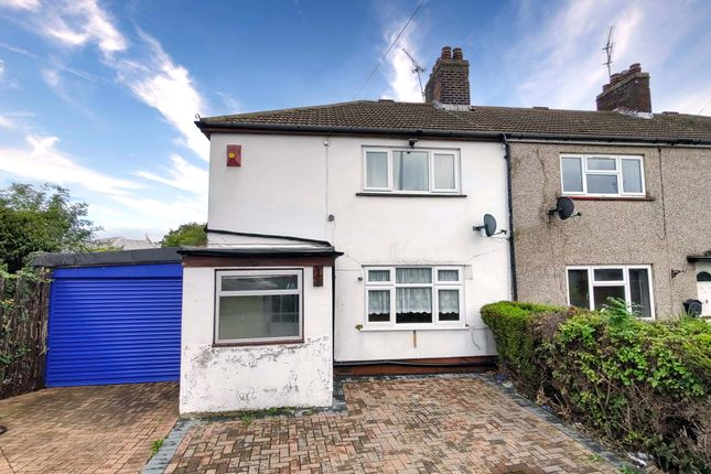 3 bed semi-detached house to rent in Dickens Avenue, Tilbury RM18