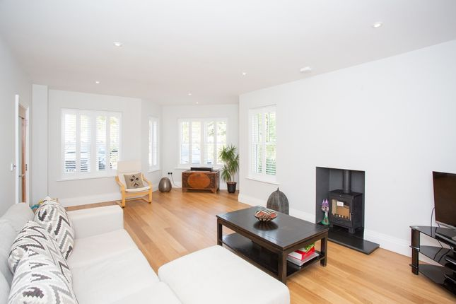 Living Room of Watling Street, St. Albans, Hertfordshire AL1