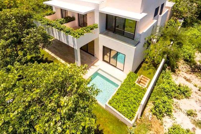 Thumbnail Villa for sale in Villa Casa Jaguar, Yucatan Country Club, Merida, Mexico