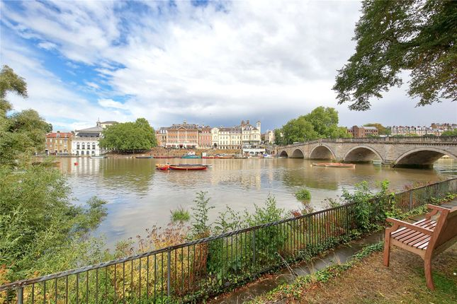 Thumbnail Flat to rent in Richmond Bridge Mansions, Willoughby Road, Twickenham