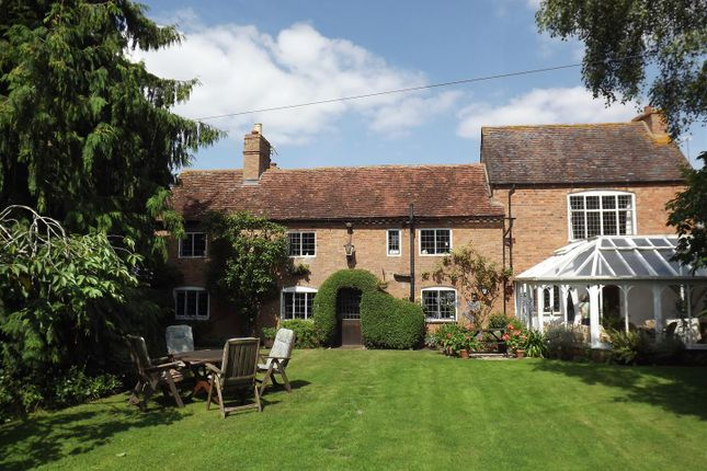 Thumbnail Country house for sale in Stratford Road, Loxley, Warwick, Warwickshire