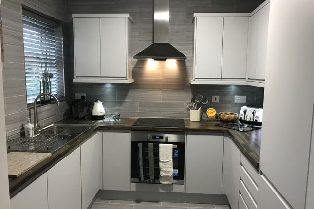 Thumbnail Room to rent in Apartment, Queens Road, Nuneaton