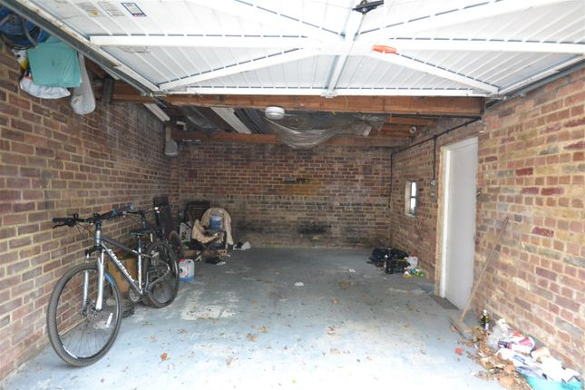 Parking/garage to rent in Melrose Terrace, Hammersmith