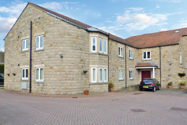 2 bed flat to rent in Smithy Court, Collingham, Wetherby LS22