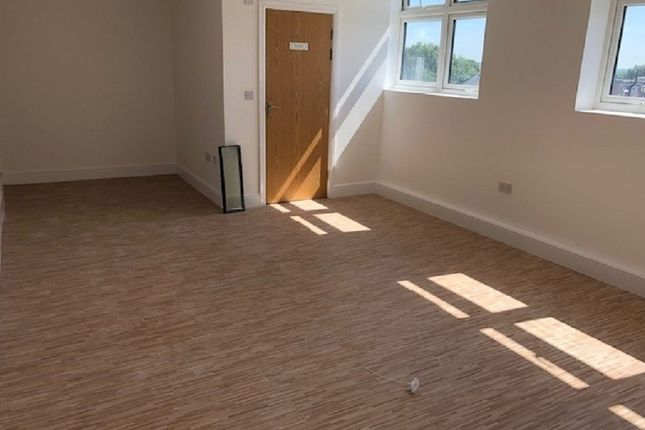 Thumbnail Office to let in High Street, Barkingside, Ilford