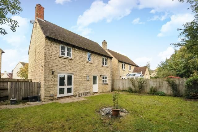 Thumbnail Detached house to rent in Bradwell Village, Burford