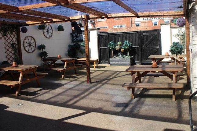Leisure/hospitality for sale in Public House, Restaurant With Accommodation NG15, Hucknall, Nottinghamshire
