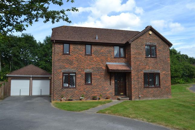 Thumbnail Detached house for sale in Fullerton Way, Tadley