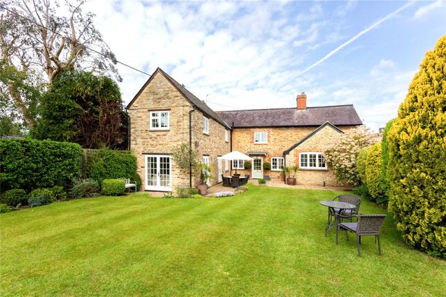 Picture No. 21 of Orchard Road, Buckland, Faringdon, Oxfordshire SN7