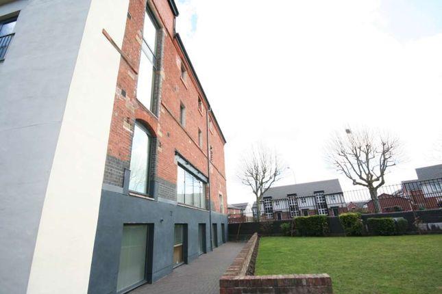 Flat to rent in Elphins Drive, Wilderspool Park, Warrington
