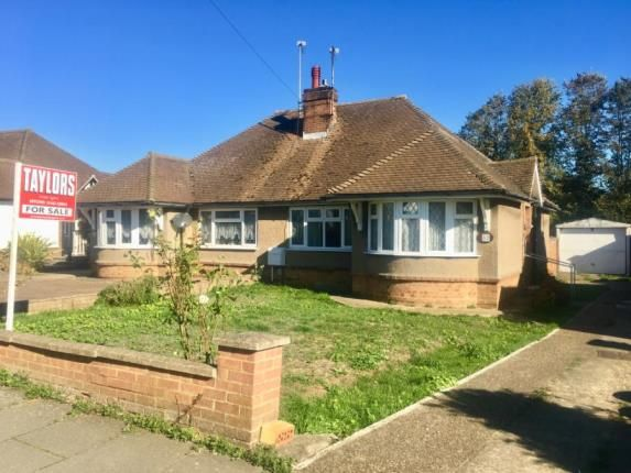 Thumbnail Bungalow for sale in Stormont Road, Hitchin, Hertfordshire