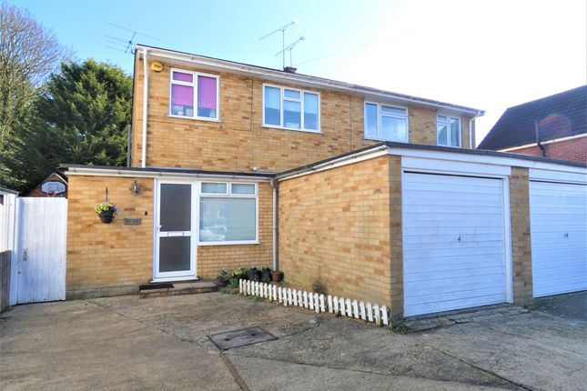 Thumbnail Semi-detached house to rent in Oxford Road, Farnborough