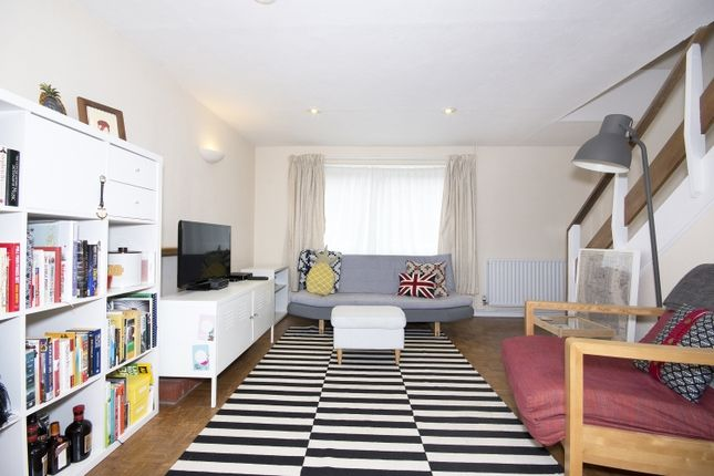 Thumbnail Maisonette to rent in Dove House Close, Wolvercote, Oxford