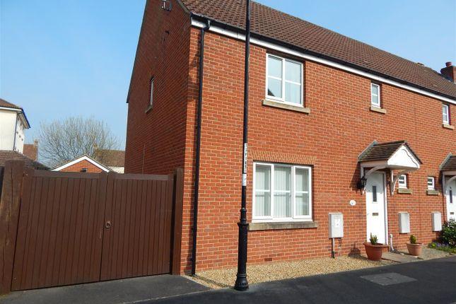3 bed property to rent in Fern Brook Lane, Gillingham