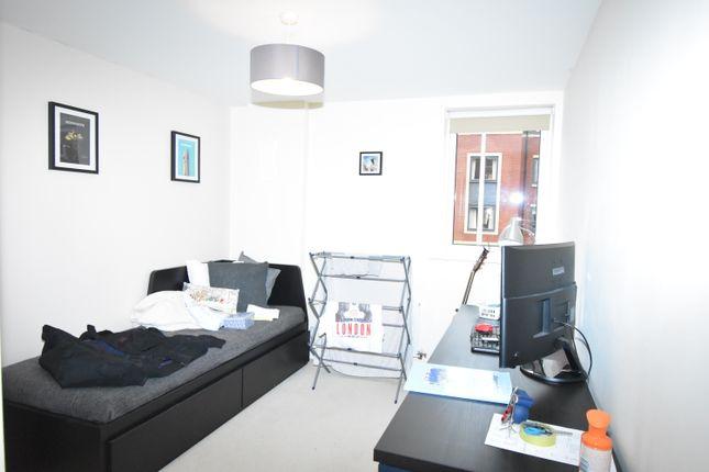 Bedroom 2 of Rothwell House, Pembroke Road, Newbury RG14