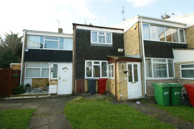 Thumbnail Property to rent in Patricia Close, Burnham, Slough