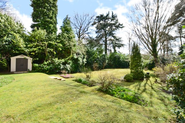 Thumbnail Flat for sale in Heatherdale Road, Camberley