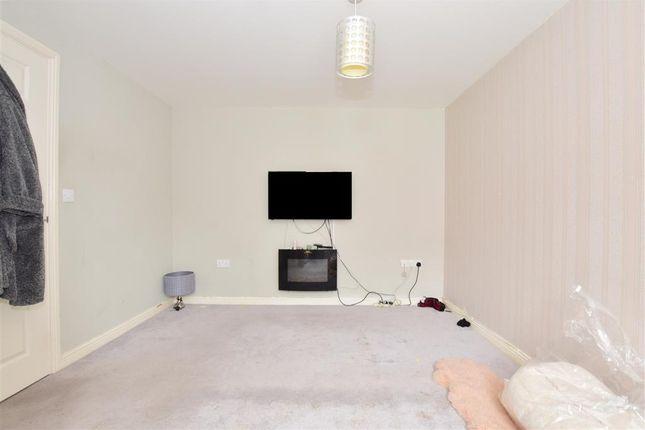 Bedroom of Speldhurst Close, Ashford, Kent TN23