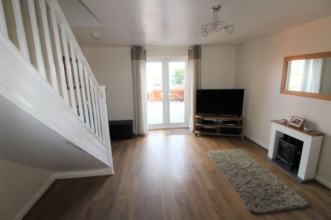 Lounge of Askew Way, Chesterfield S40