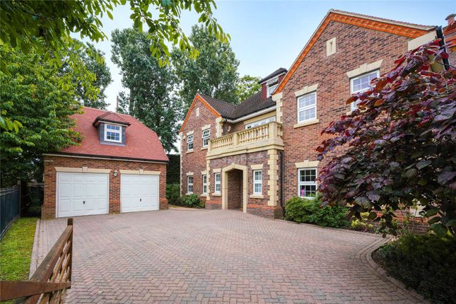 Thumbnail Detached house for sale in Boundary Park, Weybridge, Surrey