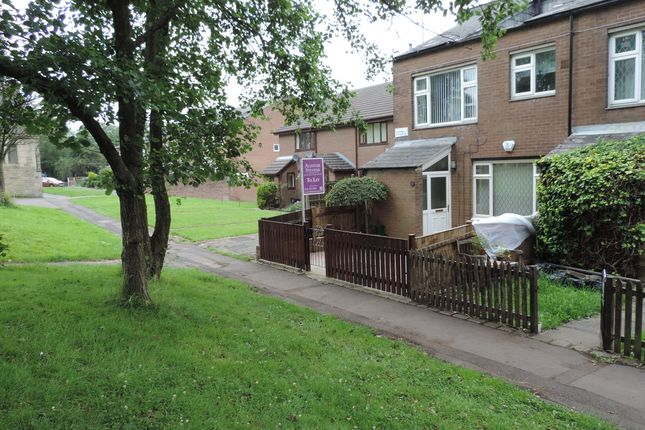 Thumbnail Town house to rent in Church Walk, Royton, Oldham