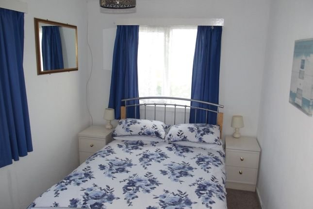 Bed 1 of 23 Fourth Avenue, South Shore Holiday Village, Bridlington YO15